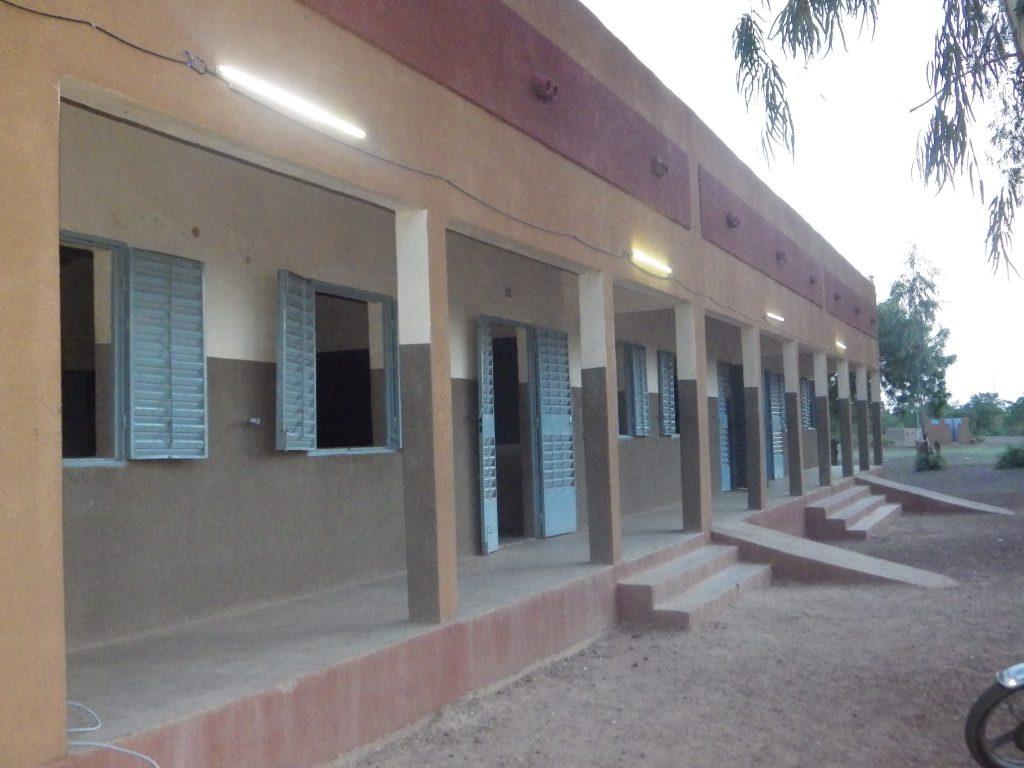 L'Ecole de Manega éclairée au coucher dunsoleil